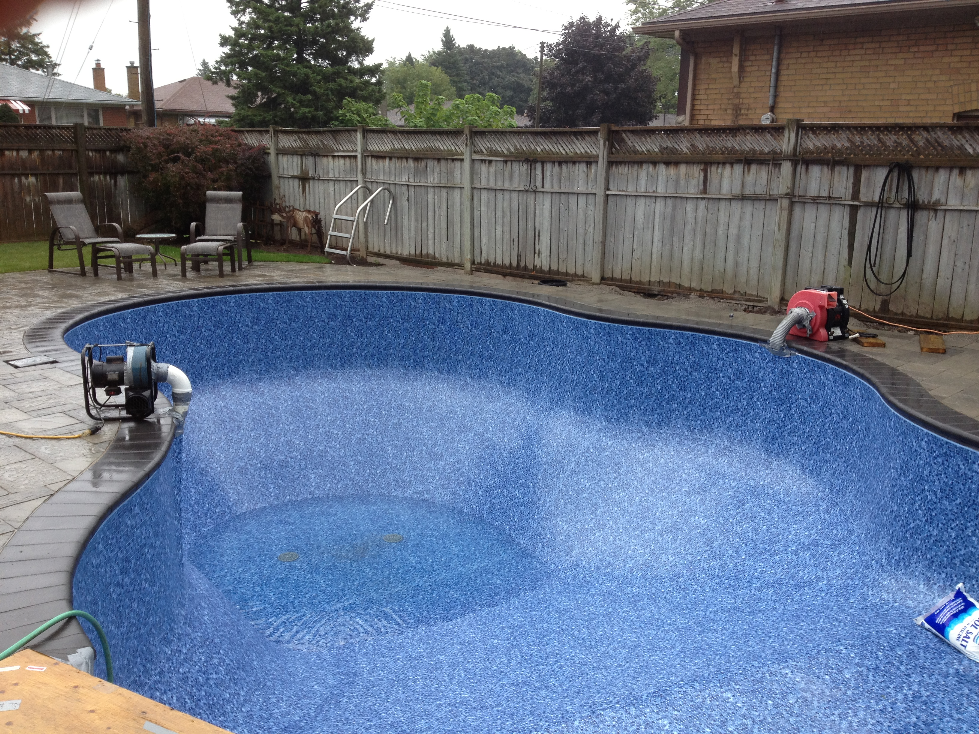 New Liner Going In.JPG